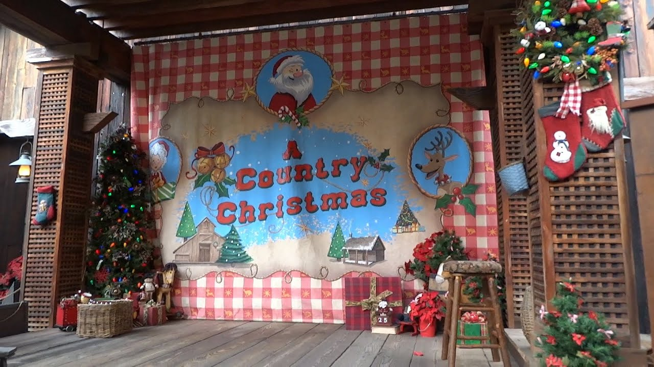 big thunder ranch christmas decorations during 2015 holiday season at disneyland