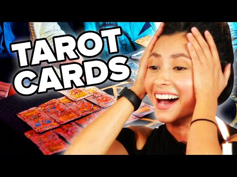 People Get Love Advice From A Tarot Card Reader