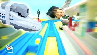 プラレールにおもちゃ用Wi-Fiカメラを乗せて遊びました【がっちゃん】コミカム