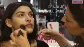 Técnicas de maquillaje:  Strobing, paso a paso