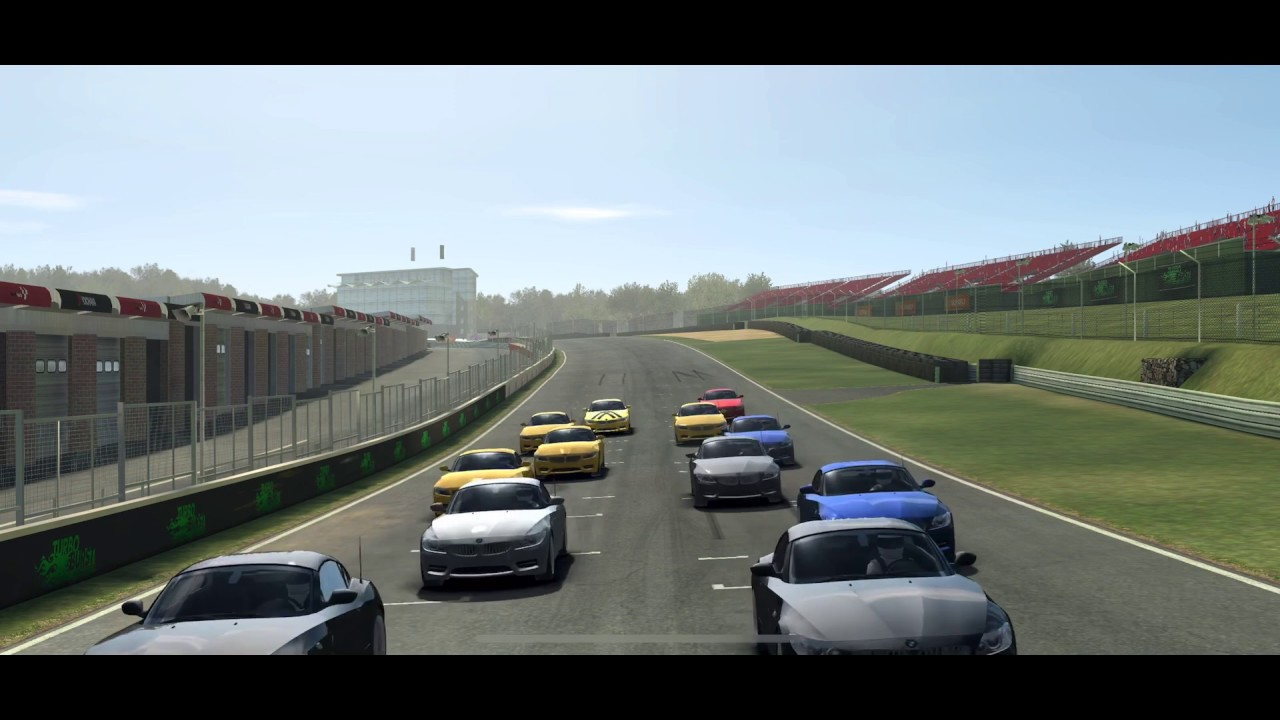 Real Racing 3 BMW Z4 iOS Game