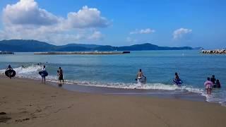 2017.8.6片男波海水浴場 台風5号からのうねりが入ってます。波が高いです。 thumbnail