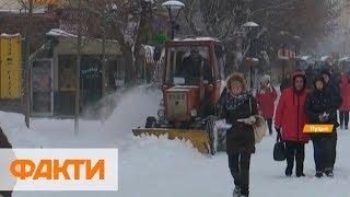 Волынь замело: снегоуборочная техника не справляется
