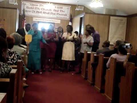 Lowesville Community Choir - Sit Down Servant.MPG