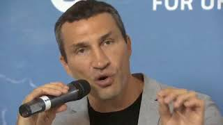 Wladimir Klitschko   Conversation with young leaders at YES meeting