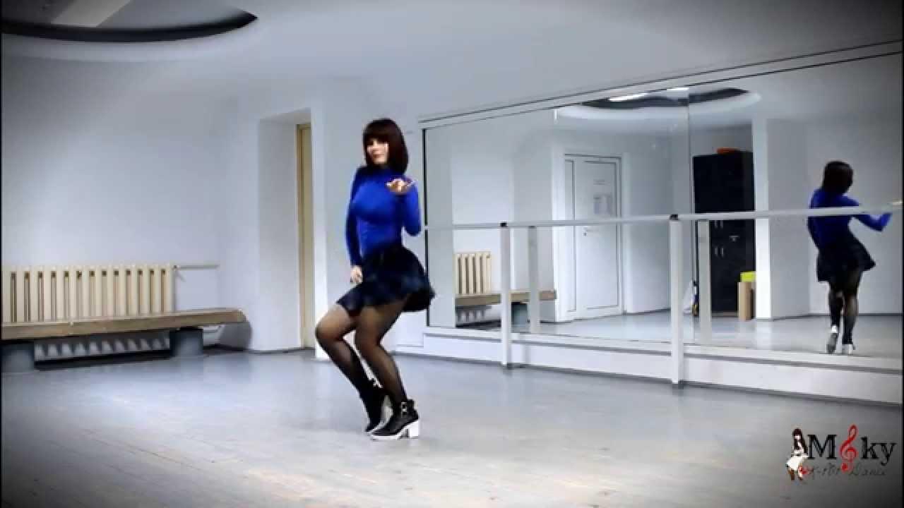 Red Velvet Ice Cream Cake Dance Tutorial