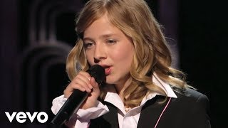 Смотреть клип Jackie Evancho - The Music Of The Night