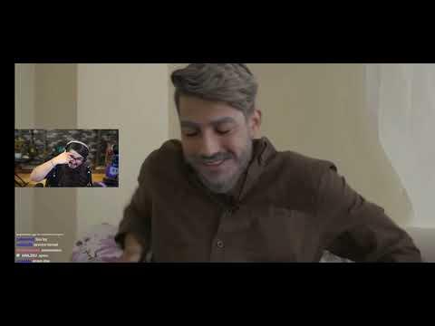 """KENDİNE MÜZİSYEN – Röportaj adam """" 2050 YouTuberlar videosunu izliyor"""