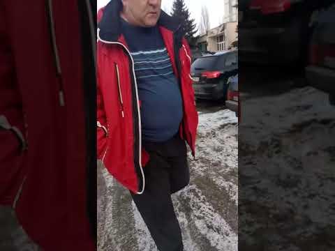 В Балакове водителя задержали после вопроса о причине остановки