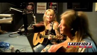 Lita Ford - Living Like A Runaway (Acoustic HD)