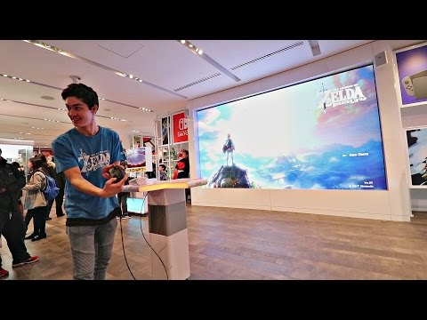 [DAY 19] Playing Breath of the Wild on a 15ft Screen! (Nintendo NY Store!)