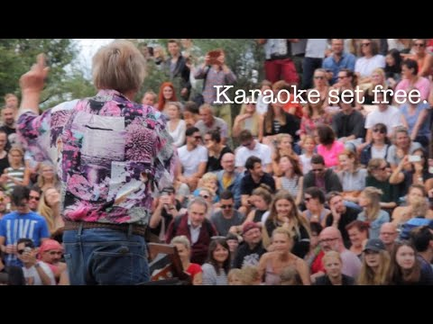 Bearpit Karaoke Mauerpark Berlin 2016