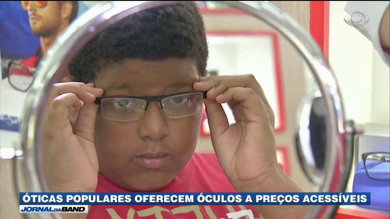 b1167863e Demanda por óculos aquece mercado de óticas no Brasil - YouTube