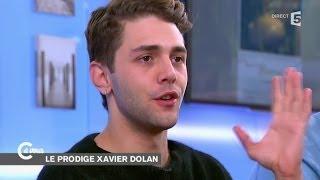 Xavier Dolan rougit face à l'accueil triomphal de