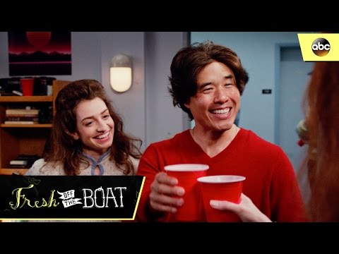 Louis Explains The Flush - Fresh Off The Boat 3x17