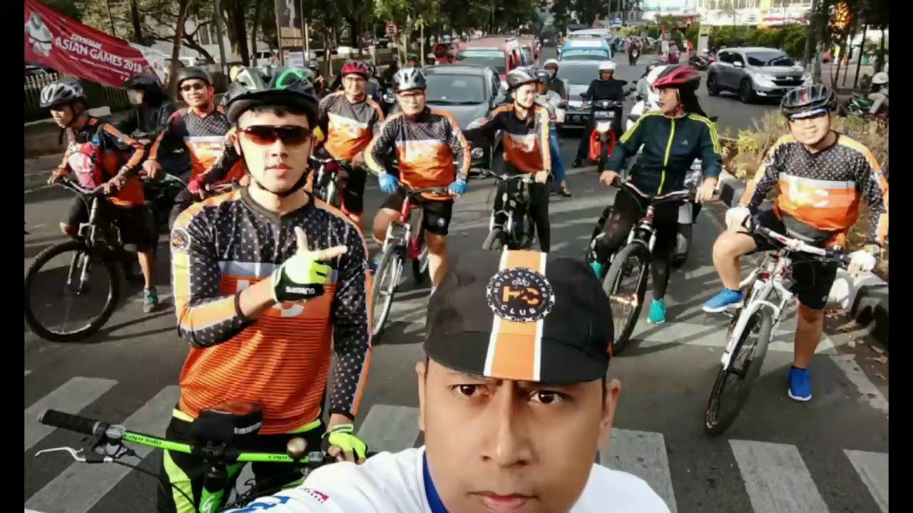 H2C komunitas Sepeda Hotelier Bandung, bersepeda dan beramal