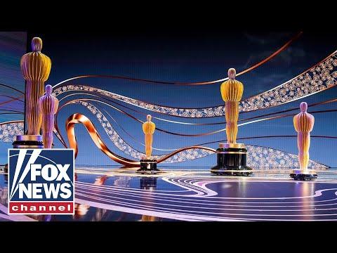 Actors bring wall politics to the Oscars
