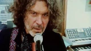 Doyle Bramhall II - Mama Can't Help You (Music Video) thumbnail