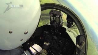 Видео авиапарада 3 июля 2013 года из кабины учебно-боевого самолета L-39(Мы размещаем видео непосредственно с парада 3 июля. На этот раз мы поставили камеры как на самолеты, так..., 2013-07-05T14:44:40.000Z)