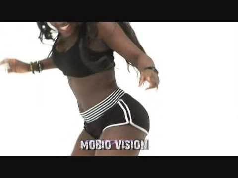 BlackMaxx-Move Your Body ( iyanya kukere instrumental ) 2014