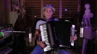 Mexican Hat Dance accordion.  Jarabe Tapatio acordeon.
