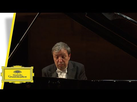 Murray Perahia - Beethoven Sonatas (Interview #4) - Studying in Vienna