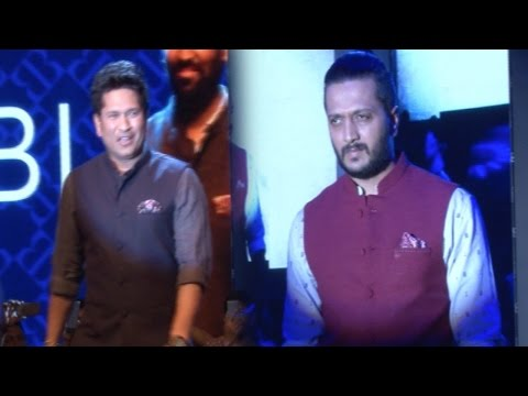 Riteish Deshmukh And Sachin Tendulkar Walk The Ramp At The Launch Of True Blue Store