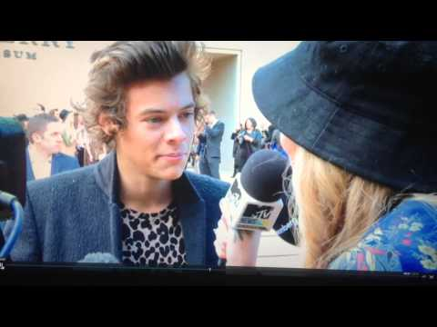 harry styles denies dating taylor swift