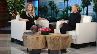 Kelly Clarkson Plays 'Celebrity Confessions'