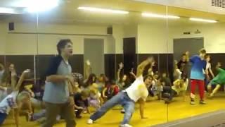 Дети 21 века ! Как их учат петь рэп и танцевать!)