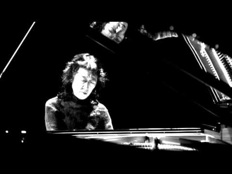 Mozart - Piano Concerto No. 22 in E-flat major, K. 482 (Mitsuko Uchida)