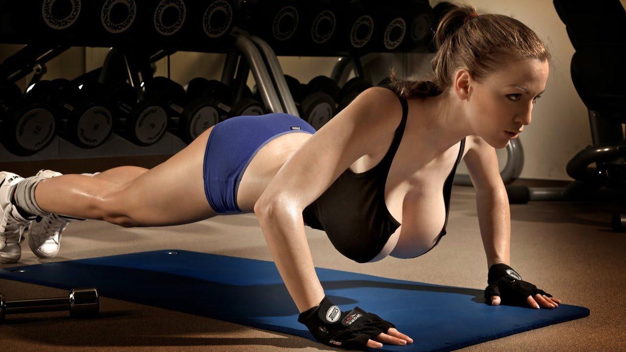 Видео горячие девушки в фитнес зале фото 781-660