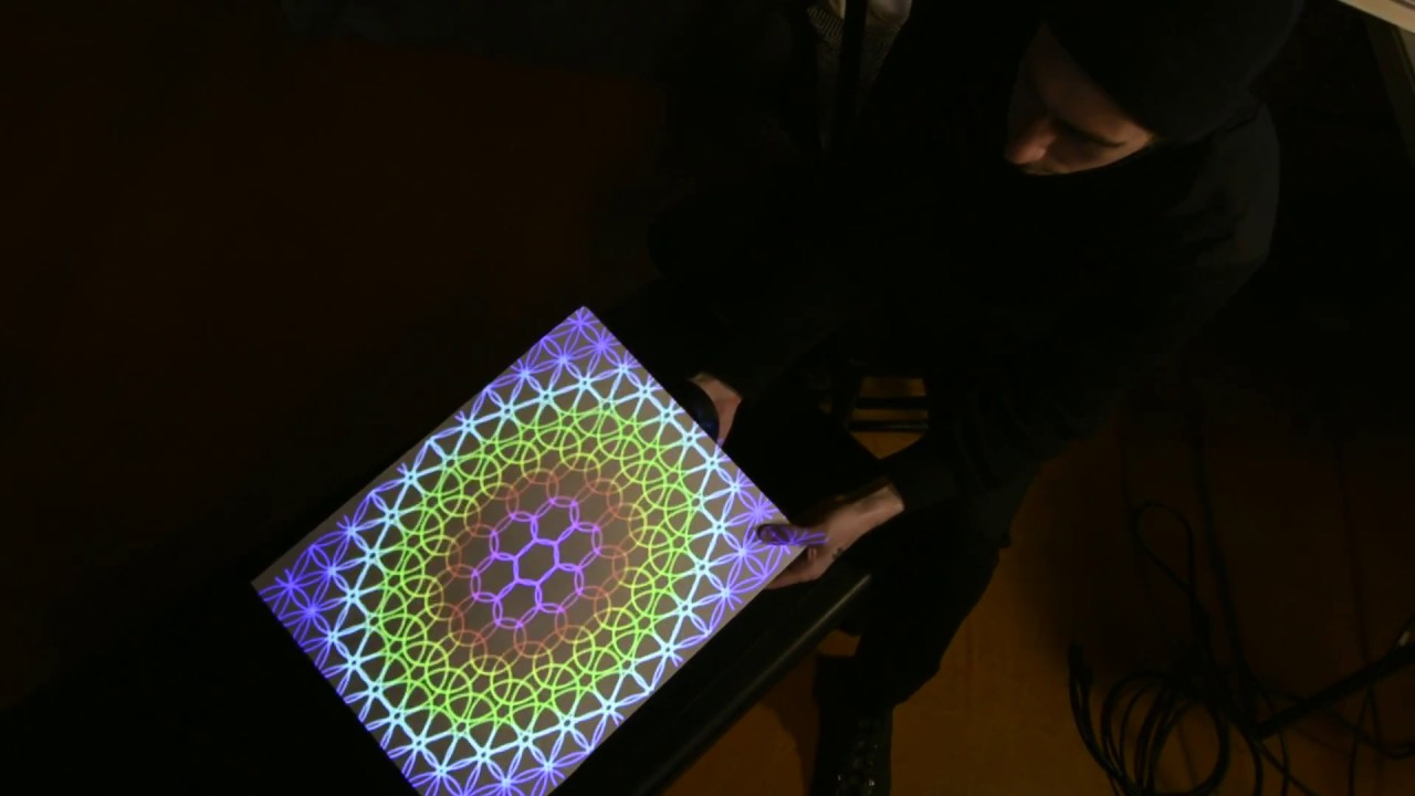 TouchDesigner 099 does everything with live visuals - now on Mac