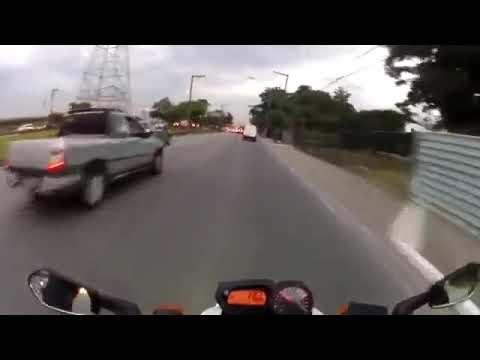 Insane bike riding skills during rush hour