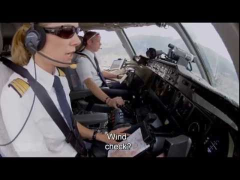 Quito Approach - Lufthansa MD-11F [English Subtitles]