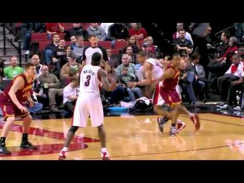 Nicolas Batum dunks on the Cavaliers