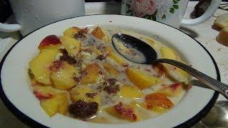 Салат персико-медово-сгущёночный