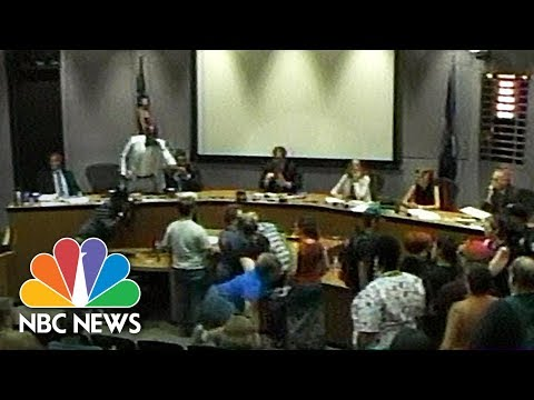 See Chaos At Charlottesville Meeting As Angry Residents Demand Mayors Ouster!
