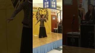 発寒イオンで行われたライオンキングトークショーでゲスト三名が熱唱.