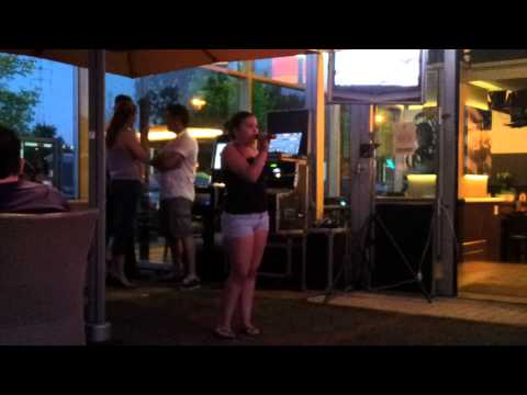 Hollywood karaoke