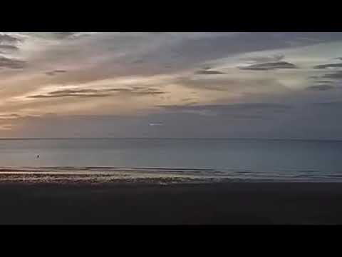 英国拍摄到白色UFO?以惊人的速度直升云层!(组图/视频)
