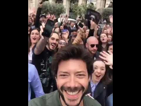 Alvaro morte il professore de la casa di carta a roma per for La casa di carta 2 episodi