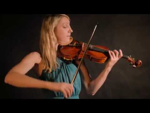 Lady Violinist - WOW Entertainers
