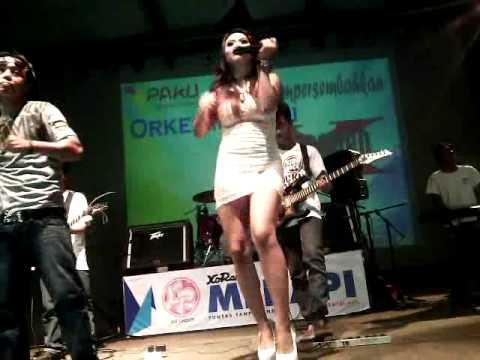Dangdut XT Square Gala Gala - Ana Velisa (19 Mei 14)