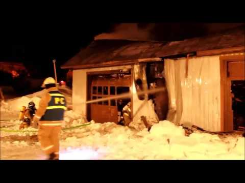 Incendie feu de garage st jean de matha quebec youtube for Garage ad st jean le blanc