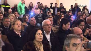 Geert Wilders legt krans bij herdenking genocide Armenië in Almelo