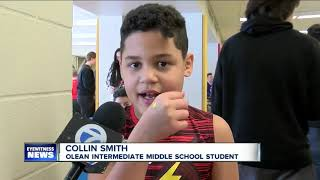 Olean middle school students make sure others don't eat lunch alone on Valentine's Day