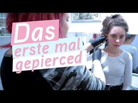 Marleen und Melissas erstes mal im Piercingstudio / 8.2.19 / FRAU_SEIN