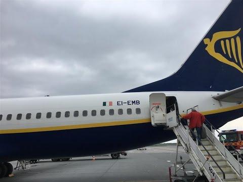 Ryanair B737 landing BLQ Airport 12.04.2017 Bolonia/Italia (HD)