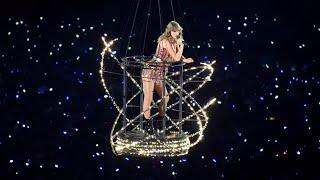 Taylor Swift - Delicate (intro + live) at #reputation Stadium Tour 2018